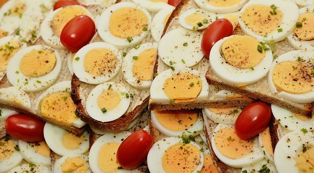 מגשי אירוח מזינים וצבעוניים שגם ילדים אוהבים
